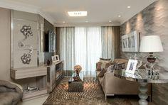 No apartamento de cobertura em Fortaleza, não faltam ambientes de lazer e móveis confortáveis para a família desfrutar da companhia dos amigos. Projeto Conceição Almeida.