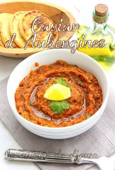 Provencal eggplant caviar, a preparation based on aubergines baked and then mashed. Lchf Recipes Lunch, Easy Smoothie Recipes, Easy Smoothies, Vegetarian Recipes, Yummy Recipes, Heart Healthy Recipes, Healthy Snacks, Eggplant Caviar, Bbq Appetizers