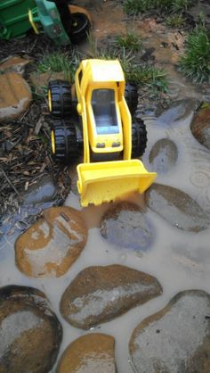 Mud day loose parts