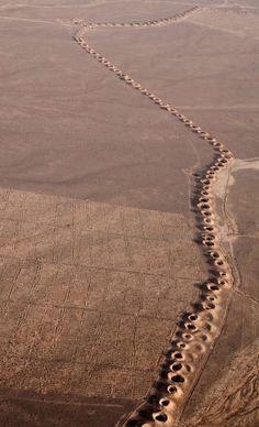Iagua - Esse sistema curioso foi agora nomeado Património Mundial pela UNESCO. A técnica dos Qanats foi desenvolvida na Pérsia, no milênio I a.C. Essa maravilhosa invenção foi se estendendo a outros países áridos como Marrocos, Argélia, Líbia, Oriente Médio e Afeganistão.  Primeiro, era escavado um poço principal em uma colina, até ser encontrado um aquífero subterrâneo. Depois, um túnel horizontal era construído, desde o pé da colina até à fonte de água.