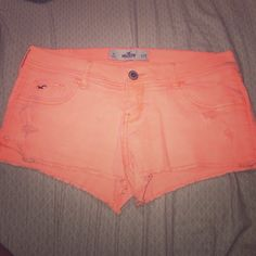 Hollister Short ughhhh this color is perfect for summer!!!! Hollister Shorts Jean Shorts