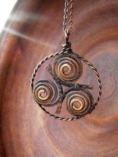 Wirework pendant by Stinni