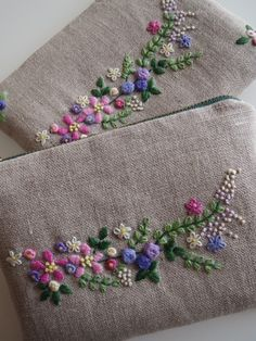 Pretty for a clutch or sachets Ribbon Embroidery Tutorial, Hand Embroidery Videos, Embroidery On Clothes, Embroidery Flowers Pattern, Embroidery Bags, Flower Embroidery Designs, Hand Embroidery Stitches, Silk Ribbon Embroidery, Embroidery Hoop Art