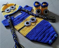 Minion set for born baby boys in two different ways.. Aluri Falguni
