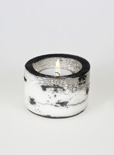 Koivu Birch range Raku Ceramic Tea Light Holder 'Kippo' Black & White Monochrome OOAK such a simple beauty! Ceramic Studio, Ceramic Clay, Ceramic Bowls, Raku Pottery, Pottery Art, Chandeliers, Objet Deco Design, Ceramic Candle Holders, Tea Light Holder