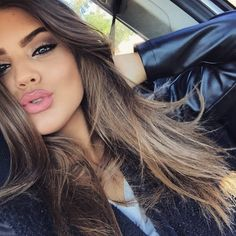 Tonos de labiales que les favorecen a las morenas There are lipsticks that make us look bigger or ju Ombré Hair, New Hair, Your Hair, Beauty Make-up, Beauty Hacks, Hair Beauty, Beauty Tips, Beauty Care, Beauty Skin