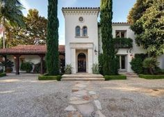 KELSEY GRAMMER'S BEVERLY HILLS VILLA. Spanish Colonial Revival Style. Click again to see interior.