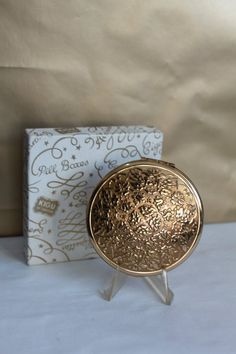 Kigu of London With original pouch and Gift Box. Mirror Powder, Compact Mirror, Vanities, Your Favorite, Decorative Boxes, London, Texture, The Originals, Floral