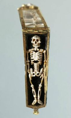 Memento mori pendant, France, 16th century.