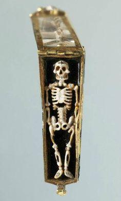 Memento mori pendant, France, 16th century.