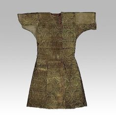 60 Examples Of Real Medieval Clothing - An Evolution Of Fashion   MorgansLists.com - Caftan of a chieftain, covered with Syrian silk featuring senmurvs Early 9th century Moshchevaya Balka burial ground, North-Western Caucasus, Stavropol Region Silk (samite), squirrel fur.
