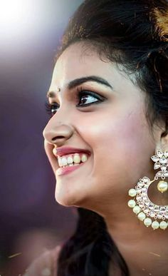 Nice smile with keerthi suresh😙😙😗 Beautiful Girl Indian, Beautiful Girl Image, Most Beautiful Indian Actress, Beautiful Ladies, Beautiful Eyes, Indian Actress Photos, South Indian Actress, Indian Actresses, Beautiful Bollywood Actress
