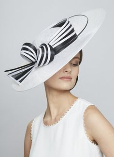 Juliette Botterill Millinery - Black and White Bow Sidesweep - women Life ideas Race Day Hats, Black And White Hats, Occasion Hats, Stylish Hats, Church Hats, Elegantes Outfit, Fancy Hats, Love Hat, Wide-brim Hat