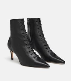 Get the must-have boots of this season! These Zara Black Leather Lace-up Mid-heel Ankle Boots/Booties Size US Regular (M, B) are a top 10 member favorite on Tradesy. Leather And Lace, Black Leather Ankle Boots, Leather High Heels, Black High Heels, Mid Heel Ankle Boots, Heeled Boots, Bootie Boots, Shoe Boots, Estilo Fashion