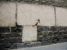Paris, giraffes around the city (6)
