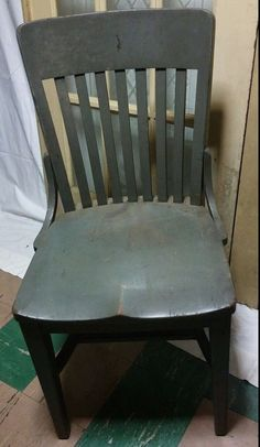 1926 Milwaukee Chair Co. made for the Hale Desk Co. painted oak side chair ! #MissionArtsCrafts #MilwaukeeChairCoforHaleDeskCo