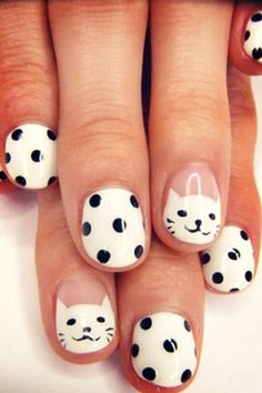 nail art: cat nails manicure