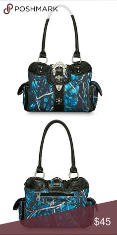 💙24 HRS ONLY💙MOONSHINE CAMO UNDERTOW PURSE Moonshine camo Undertow  pattern purse with rhinestone 70739cd58c