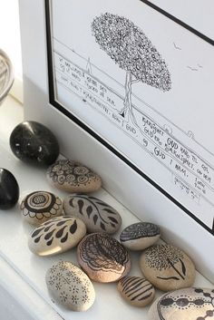 embellished rocks and art, using felt tip pen   photo, an-magritt