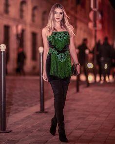 "59 mil curtidas, 488 comentários - Thássia Naves (@thassianaves) no Instagram: ""BALMAINIA 👊🏻👏🏻 dress @balmain @olivier_rousteing e botas @luizabarcelos #thassiafrenchdays…"""