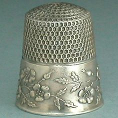 Antique Sterling Silver Wild Roses Thimble (Old Vintage Circa 1900's Ketcham & McDougall Metal Thimble)