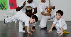 Os movimentos de pernas, o gingado do corpo e as acrobacias fazem a capoeira parecer um exercício possível somente para adultos ou adolescentes. Mas por qu...