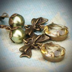 Vintage Rhinestone Earrings, Swarovski, Bride, Wedding, Olive, Champagne, Jewelry by rewelliott on Etsy #etsyfollow #jewelry @Rew Elliott