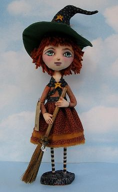 Primitive Pattern Millie a beautiful little free standing witch with her broom ! #NaivePrimitive