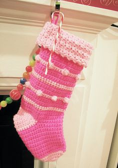 Made by Twinkie Chan  using this pattern     http://www.redheart.com/free-patterns/crochet-holly-stocking-0