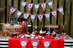 mesa de dulces para una fiesta pirata