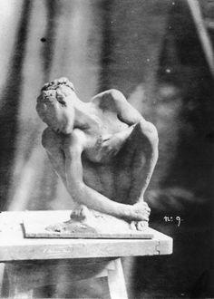 'La Femme Accroupie' by French sculptor Auguste Rodin Clay. via Le Procrastinateur Auguste Rodin, Camille Claudel, Art Sculpture, Modern Sculpture, Chef D Oeuvre, Oeuvre D'art, Renaissance, 7 Arts, Arte Tribal