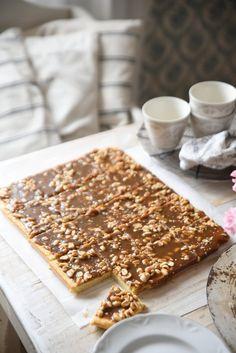 Sweet Desserts, Vegan Desserts, Sweet Recipes, Cake Bars, Sweet Pie, Desert Recipes, Healthy Treats, Yummy Cakes, Sweet Tooth