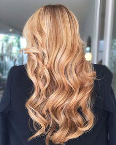 Reddish Blonde Hair, Red Hair With Blonde Highlights, Strawberry Blonde Highlights, Honey Blonde Hair, Blonde Hair Looks, Balayage Hair Blonde, Blonde Shades, Blonde Hair Red Lowlights, Carmel Blonde Hair