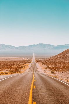 travel aesthetic 21 Fun Cities In The US You Have To Visit Aesthetic Backgrounds, Aesthetic Iphone Wallpaper, Aesthetic Wallpapers, Country Backgrounds, Beach Aesthetic, Travel Aesthetic, Adventure Aesthetic, Aesthetic Grunge, Blue Aesthetic