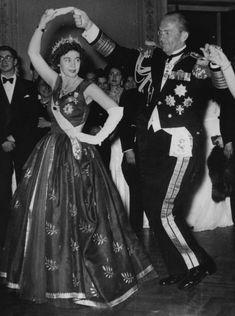 Glittering Royal Events Message Board: A glittering Greek Queen Royal Queen, Queen Mary, Queen Elizabeth, Greek Royalty, Spanish Royalty, British Style, British Royals, Olympia, Sofia V
