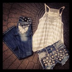 Any cute top with Miss Me Jeans make the perfect look! Get your Miss Me Jeans from http://www.desotowarehouse.com/