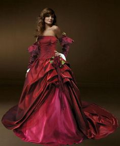 Christmas weddings can have rich coloured gowns...lots of deep reds, greens, whites and creams
