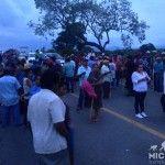 Indígenas nahuas bloquean el puente Coahuayana para evitar el ingreso del Ejército