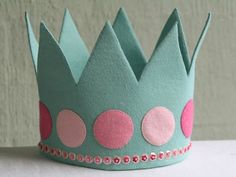 Crown to fit child aged Made from wool blend felt and decorated with beads and sequins. Entirely hand sewn using own design. I love the way it sits on my daughter's head, it looks so regal! Felt Diy, Felt Crafts, Diy Crafts, Handmade Felt, Princess Birthday, Diy Birthday, Birthday Crowns, Birthday Hats, Princess Party
