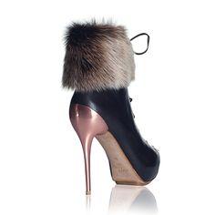 www.femmestep.com Aklınızı ayağınızdan almaya geliyor - AMARI fur lace-up booties