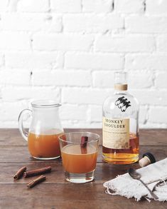Warm drinks by the fire? Smoky Scotch + Cider Cocktail — a Better Happier St. Cider Cocktails, Whiskey Cocktails, Champagne Cocktail, Fun Cocktails, Cocktail Drinks, Cocktail Recipes, Alcoholic Drinks, Manhattan, Scotch Whiskey
