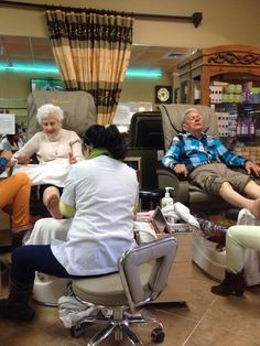 adorable old couple getting their nails done together talking about being married for 66 yrs I'm crying