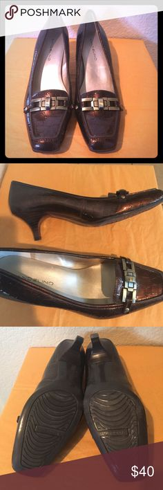 "Bandolino brown ""crocodile like"" low pump Bandolino brown ""crocodile like"" low pump Bandolino Shoes Heels"