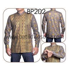 Kemeja Batik Koko dengan Kode BP202, merupakan batik printing yang terbuat dari bahan katun. Pada bagian dalam kemeja batiknya terdapat furing. Harga untuk kemeja batik koko kode 202 ini adalah Rp.275.000