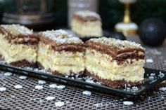 Najbolja od svih: Nenadmašna Rafaelo torta s jagodama Pastry Recipes, Baking Recipes, Cookie Recipes, Dessert Recipes, Bulgarian Recipes, Croatian Recipes, Rodjendanske Torte, Kolaci I Torte, Best Food Ever
