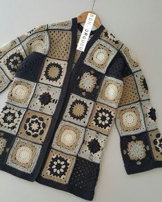 Fabulous Crochet a Little Black Crochet Dress Ideas. Georgeous Crochet a Little Black Crochet Dress Ideas. Crochet Bodycon Dresses, Black Crochet Dress, Crochet Coat, Crochet Jacket, Crochet Cardigan, Crochet Clothes, Crochet Squares, Crochet Granny, Crochet Braids