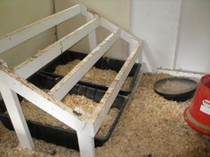 How High Chicken Roost | Roost with removable tubs