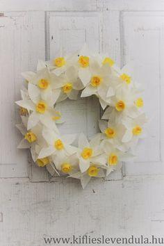 Narcisse, Daffodils, Spring Time, Floral Wreath, Diy, Seasons, Paper, Frame, Flowers