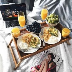 Breakfast In Bed Colazione A Letto 35 Trendy Ideas Romantic Breakfast, Breakfast In Bed, Breakfast Menu, Morning Breakfast, Perfect Breakfast, Sunday Morning, Breakfast Ideas, Birthday Breakfast, Breakfast Pancakes