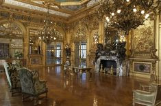 Gold Room in the Marble House in Newport, Rhode Island, USA (1892).